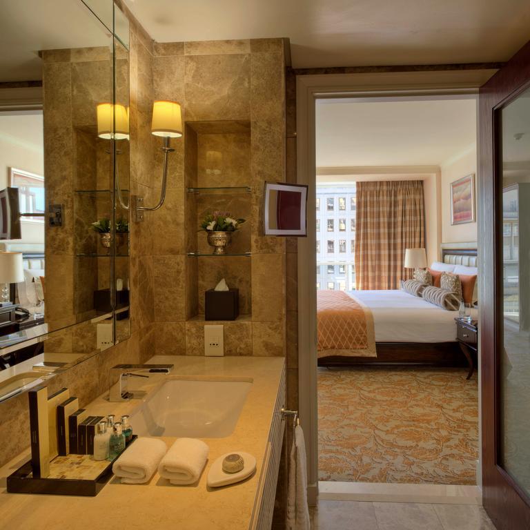 CM Travels | Taj Hotel | Bathroom