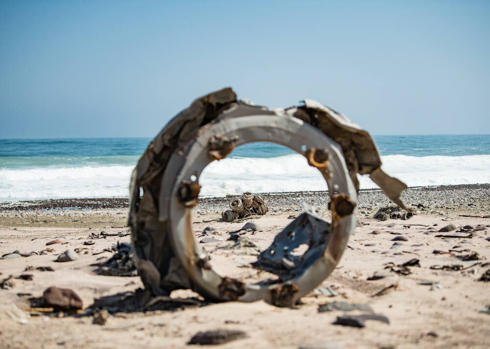 ship-wreck-pieces-skeleton-coast-outside-view-natural-selection-camps-nature-cm-travels