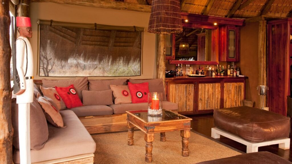 lounge-bar-onguma-camps-nature-cm-travels