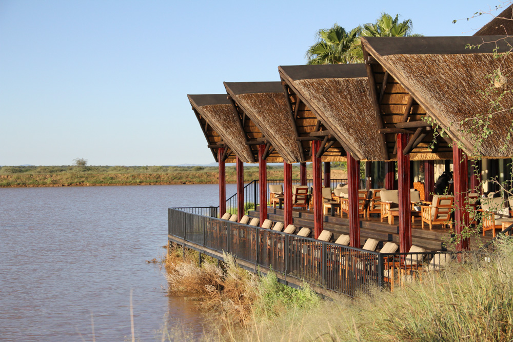 erindi-old-traders-lodge-cm-travels-namibia-wildlife-nature-safari-lodge-waterhole