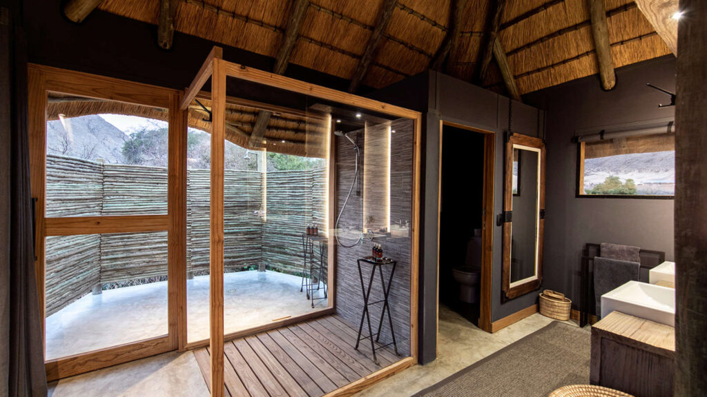 bathroom-wilderness-safaris-nature-cm-travels