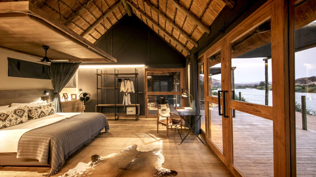 bedroom-wilderness-safaris-nature-cm-travels