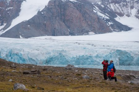 cm-travels-artic-wildlife-nature-polar-bear-ulitmate-luxury-svarlbard-glacier